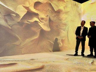 エクレム・イマモグル・レフィクがアナトリアの展示会を訪れました