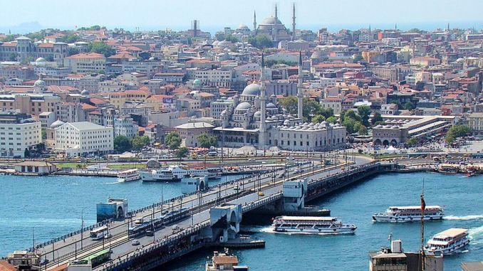 where is the galata bridge