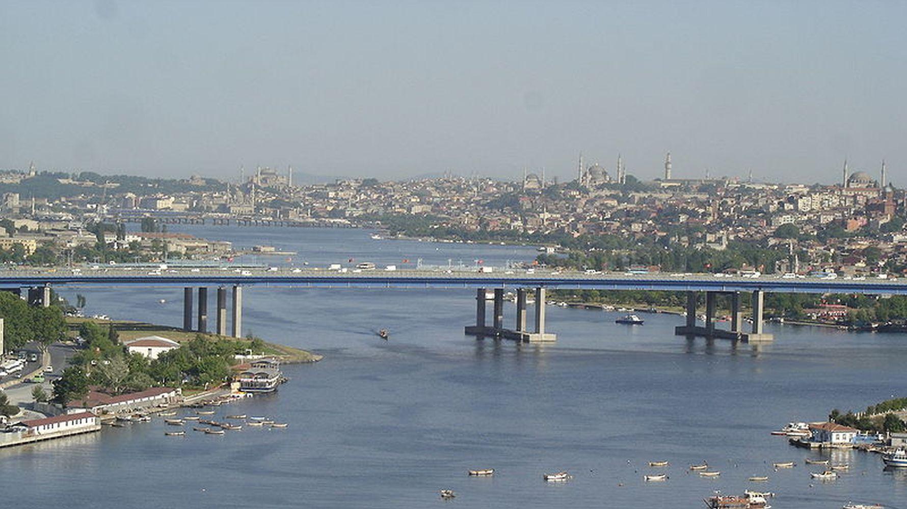 where is the estuary bridge