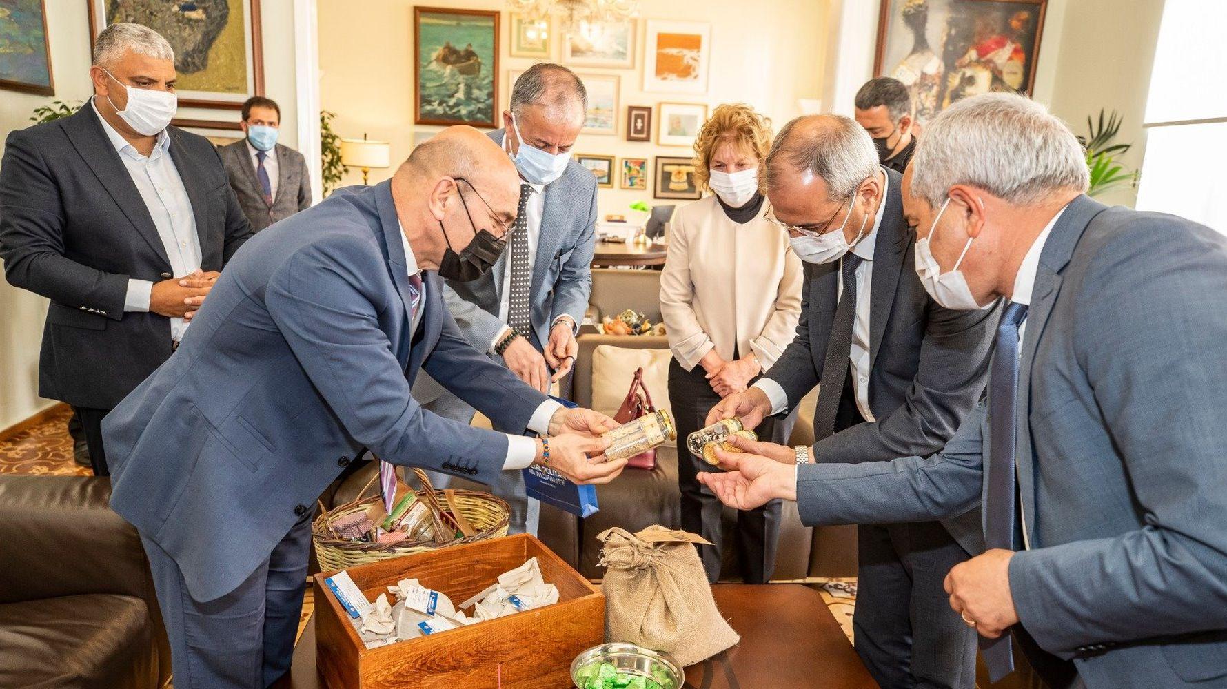 Ancestral seed exchange in Izmir Tarsus line