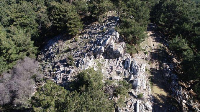 Ancient stone quarry found in Izmir Tirazli bay