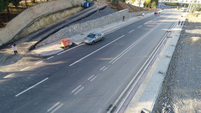 Es wurde eine Ausschreibung für Wartung, Reparatur und Bau von Karamellstraßen durchgeführt