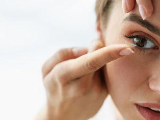 เคล็ดลับสำคัญสำหรับผู้ใส่คอนแทคเลนส์และแว่นตา