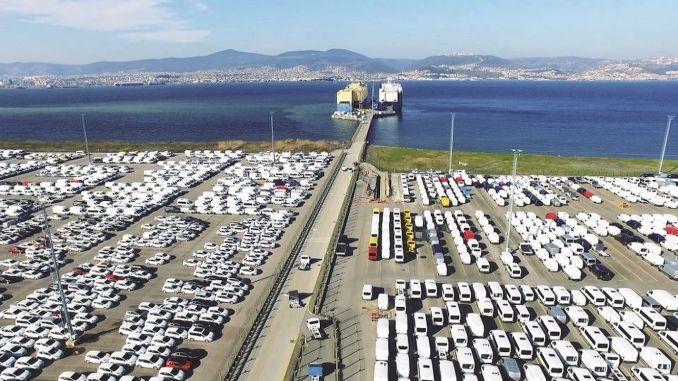 autojen vienti oli miljardia dollaria helmikuussa