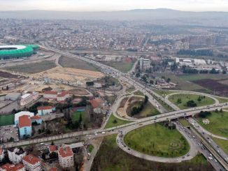 Verkehrsregelung in Bursa Acemler Crossroad