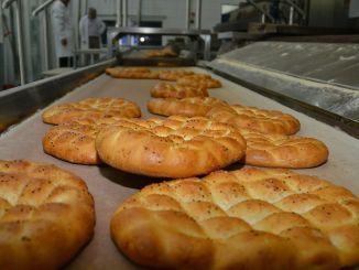 Izmir Kent Bread Ramadan Pita vil bli solgt for lira