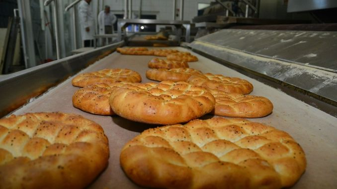 Izmir Kent Bread Ramadan Pita will be sold for lira