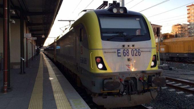 Arrangement of island train services
