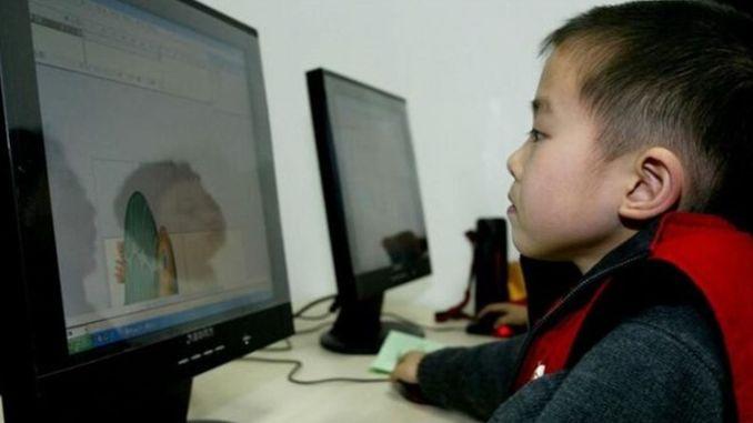 中国のすべての小中学校にインターネットアクセスを提供します