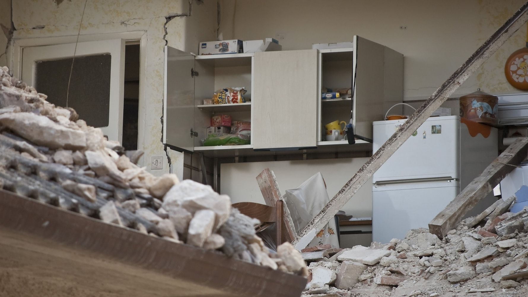 Why and how an earthquake occurs what to have in your earthquake anchor