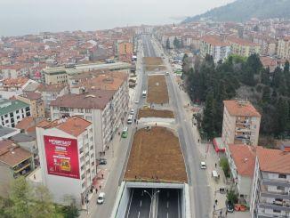 Landschaftsgestaltung an der Kreuzung der Karamurselbrücke
