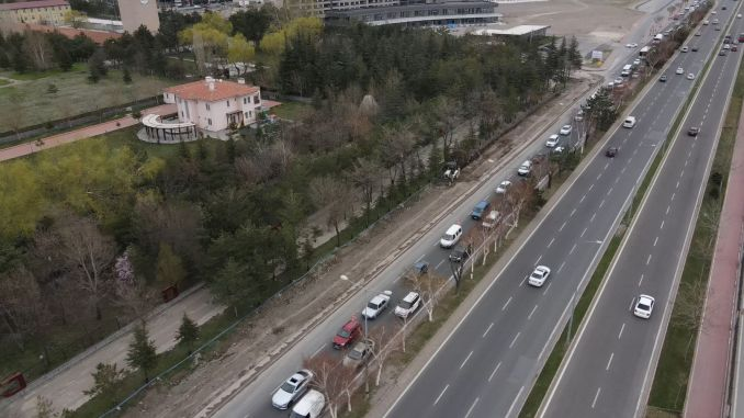 Adding a further lane road to the Talas boulevard