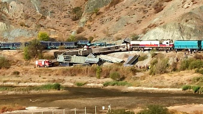 Criminal mechanics in an accident where two freight trains collide in Ankara