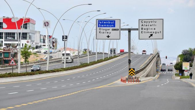 Joint renovation works continue at the bridges in Ankara