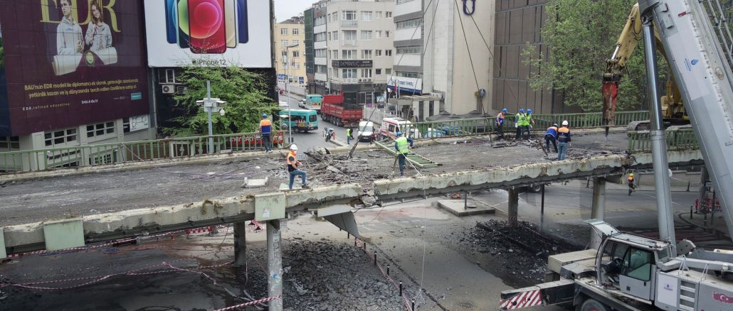 In Besiktas, the destruction of the upper passage and the arrangement of the square started