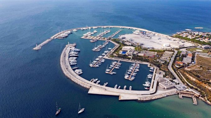 d marine is entitled to receive safe tourism certificate
