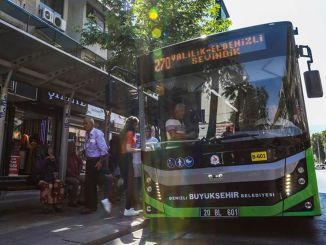 Die Buslinie von Denizli Büyüksehirin wird für Ales Exam arbeiten