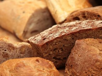 What is the importance of choosing bread which type of bread is useful?