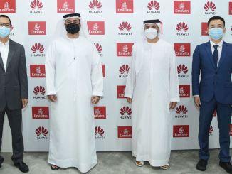 emirates underskriver strategisk aftale med huawei