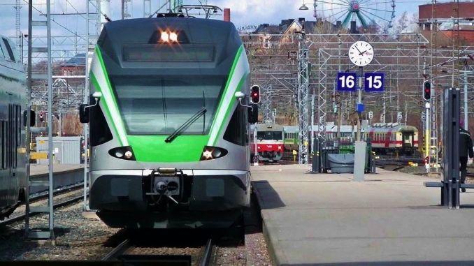 Finland railway workers start warning strike