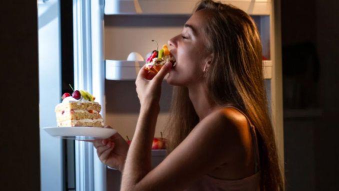 uyku arasi bilincsiz yemek yeme semptomuna dikkat