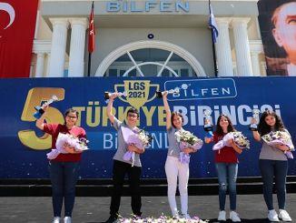 Sinh viên xếp hạng nhất ở Thổ Nhĩ Kỳ trong kỳ thi lgs