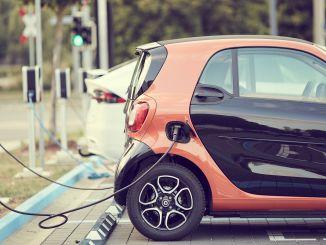 Pourcentage des véhicules qui seront vendus dans le monde seront électriques.