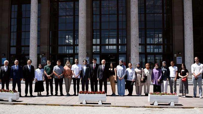 شارك الوزير karaismailoglu في مشاريع النقل التي استضافتها tcdd