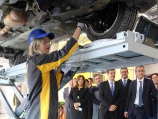Bursa mieste oib mtal laukia studentų, kurie gamins kalakuto automobilius