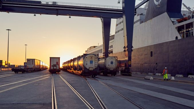 dfds partners with primerail