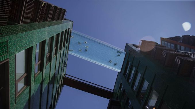 The world's first transparent sky pool was visited by an influx of visitors