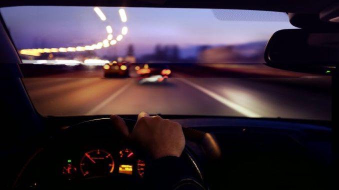 يجب مراعاة التفاصيل أثناء القيادة ليلاً