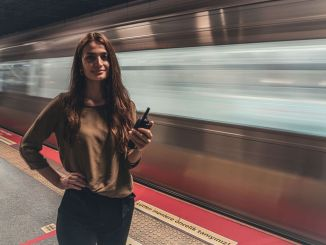 Die ersten weiblichen Stationsleiterinnen in den Istanbuler U-Bahnen haben ihre Arbeit aufgenommen