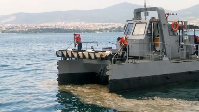 The effects of mucilage on navy ships are being investigated.