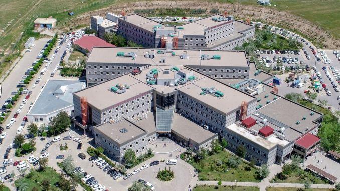 Hospital del Centro Médico Dursun Odabas de la Universidad Van Yuzuncu Yil