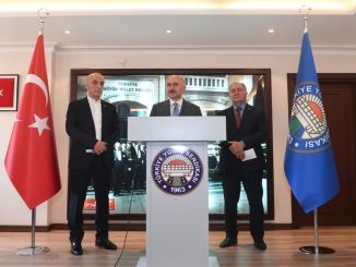 Bộ trưởng karaismailoglu đến thăm công đoàn việc làm đường gà tây
