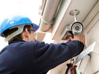 Gumagawa ang pag-install ng CCTV camera sa istasyon ng Halkalı at lugar ng customs
