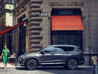 Hyundai Assan expands SUV family with Santa Fe