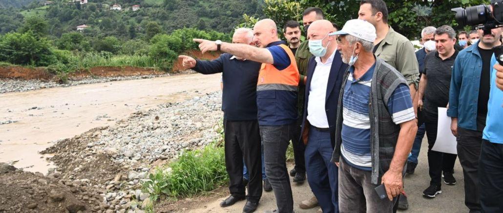 karaismailoglu examined the migrating road works in the flood disaster in arhavi