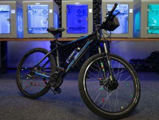 klasični bicikli pretvaraju se u električne bicikle uz suradnju zaxe i byqee