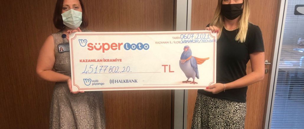 The lucky winner of the million TL jackpot from the super lotto received his check.