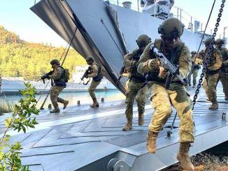 هجوم برمائي انتقالي وتدريبات على متن سفينة واحدة من البحرية التركية