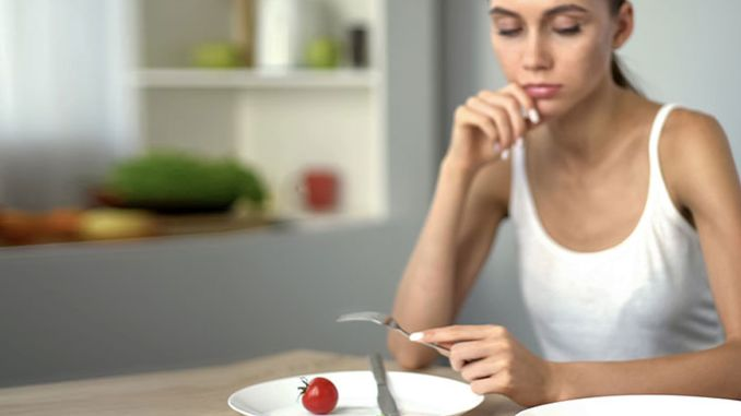 أعراض اضطرابات الأكل وطرق العلاج