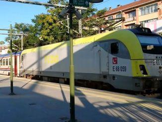 Začínajú sa testovacie jazdy ostrovného vlaku, ktorý bude odchádzať zo stanice adapazari