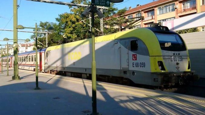 بدأ اختبار القيادة لقطار الجزيرة الذي سينطلق من محطة أدابازاري