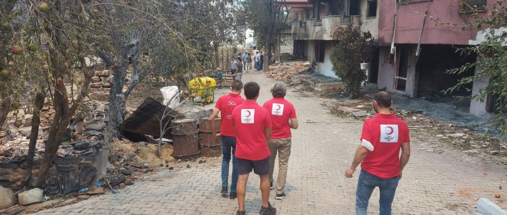 Red Crescent support for those who were damaged in the forest fires in Antalya