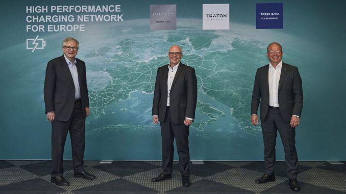 تعاون ثلاث من أبرز مصنعي المركبات التجارية في العالم لإنشاء شبكة شحن في أوروبا