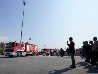 Imamoglu dio la bienvenida a los heroicos bomberos que intervinieron en los incendios de Yenikapi.
