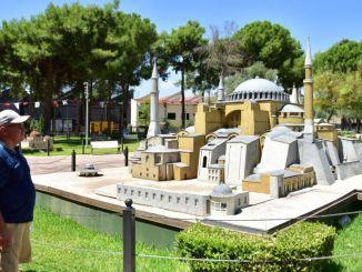 מוזיאון הפתח קפז מושך תשומת לב רבה מצד תיירים מקומיים וזרים