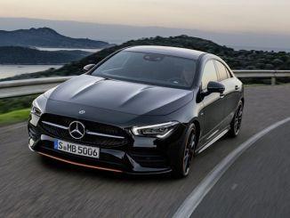 акція спеціальних автомобілів та легких комерційних автомобілів mercedes benz на серпень